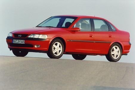אופל וקטרה 1996-2001
